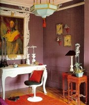 grayed purple paint colors are great for displaying artwork