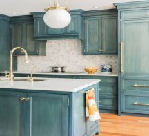 faux painting kitchen cabine finish - glazing and hand painted designs