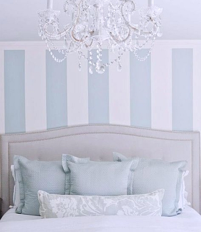 Wall stripes in classic color combinations are timeless
