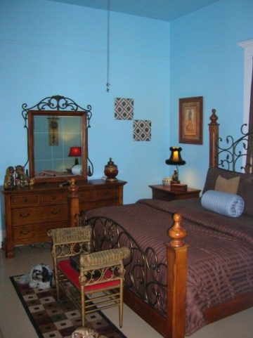 Full spectrum sky blue paint color on bedroom walls