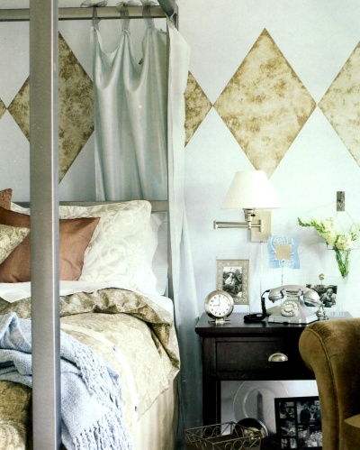 Diamond shape faux painted wall