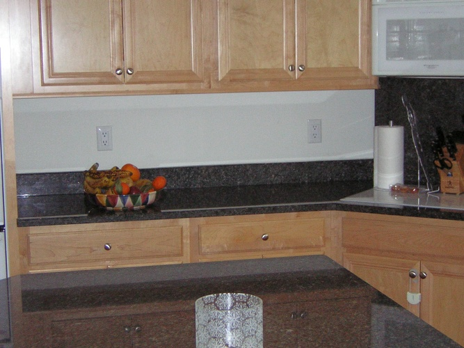 Before: boring white backsplash
