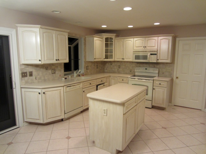 After: modern finish makes kitchen look expensive