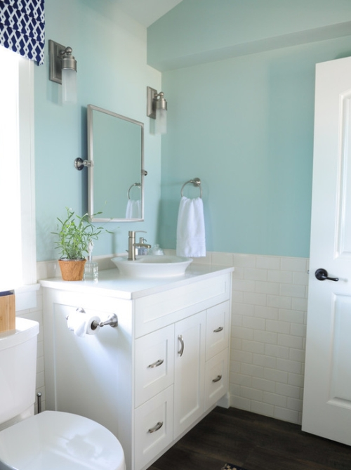 White bathroom painted a turquoise / aqua color