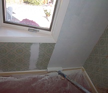 Priming wallpaper before painting