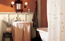 Deep orange color idea for painting a bathroom