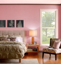 Grayed pink shades are especially suitable for bedroom walls