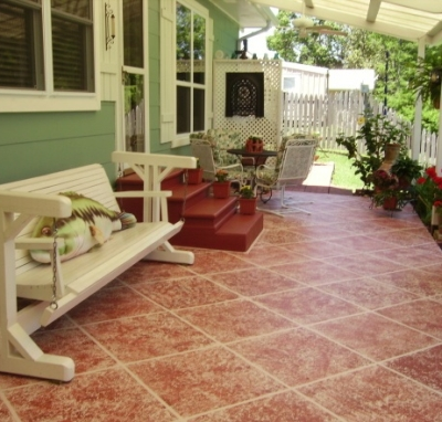 With sponge painting, you can transform old, boring floor tile