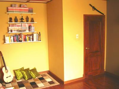 Yellow painting idea for a relaxing space