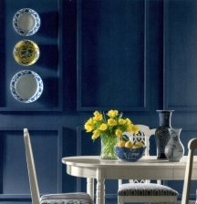 Navy blue never goes out of style as a wall color choice