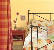 choosing interior paint colors from bedspread