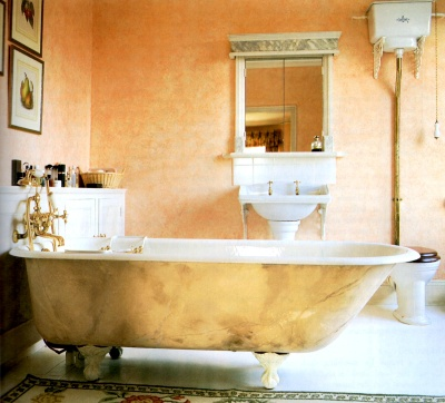 Rag painted faux finish on a bathtub made to look like marble