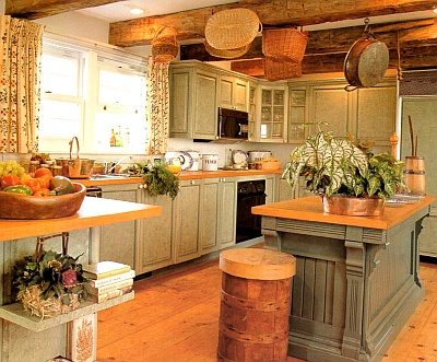 Rag painted kitchen cabinets in historic colors create a country look and feel