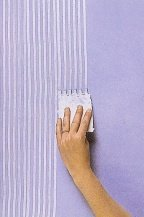 Combed wall stripes