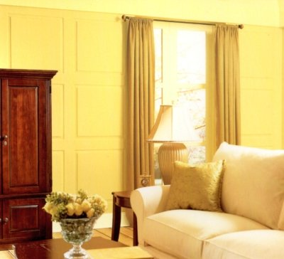 All-yellow paint and decor example