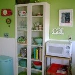 use paint, color and accessories for decorating your kitchen