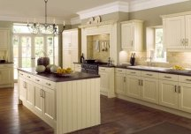 traditional green kitchen painting idea
