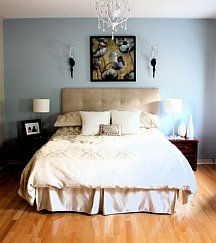 Accent walls should create a complementary background
