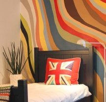 Handpainted wall stripes let you create a truly custom look