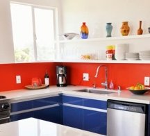 Backsplash walls can be painted with an accent color